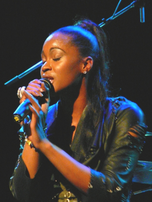 Shontelle performs at the Pullo Center in York Friday night. (Mark Franklin Photo)