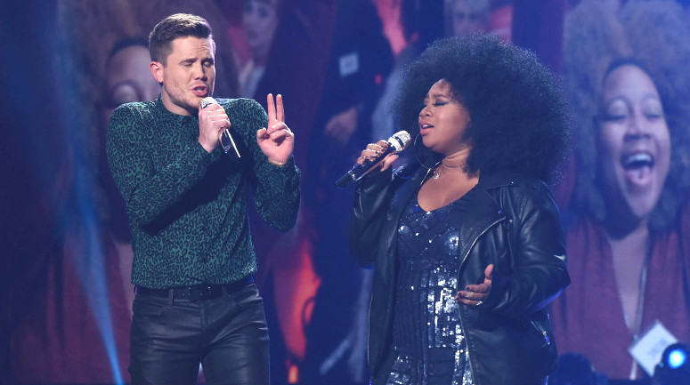 """Earlier in Thursday's show, Trent Harmon and La'Porsha Renae sing """"It Takes Two."""" (FOX Photo)"""