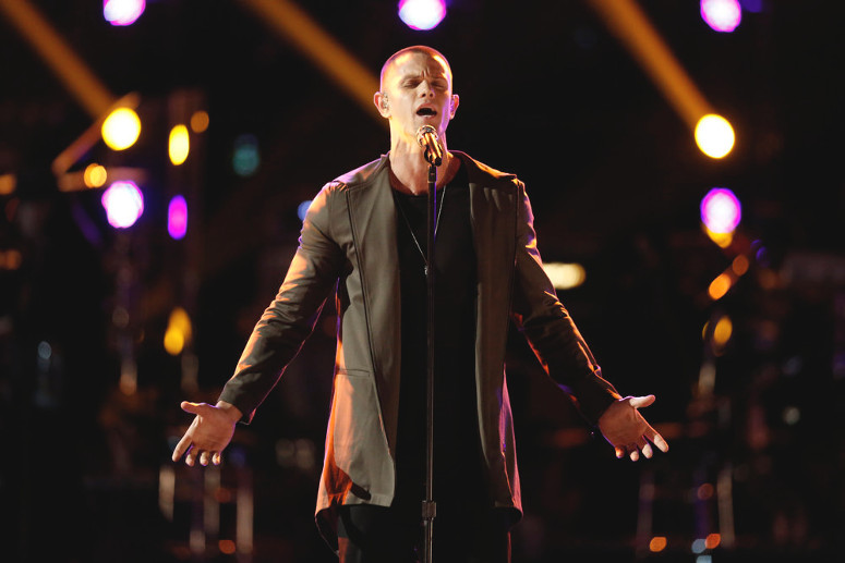 Nick Hagelin performs during the live playoffs on The Voice. (NBC Photo)