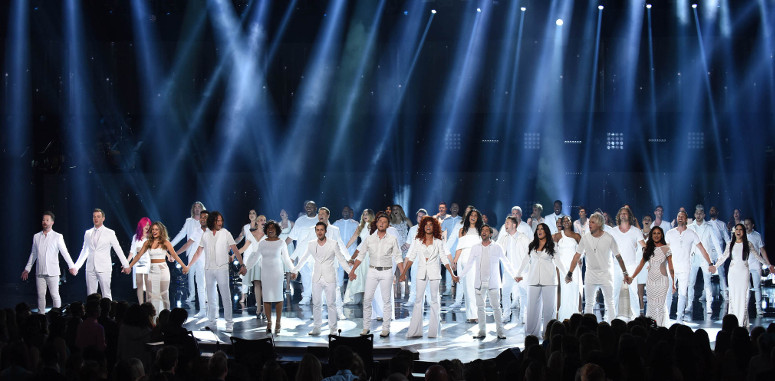 Dozens of former Idol finalists took the stage for the opening number on the American Idol Season 15 finale Thursday night. (FOX Photo)