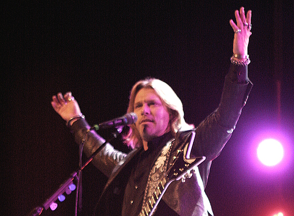 Craig Wayne Boyd, winner of The Voice Season 7 (Pullo Center Photo)