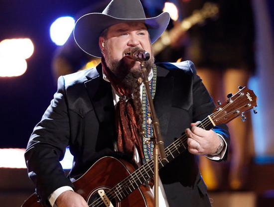Sundance Head performs on Top 10 night on The Voice. (NBC Photo)