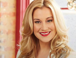 Kellie Pickler is among the former American Idol contestants to release new Christmas music.