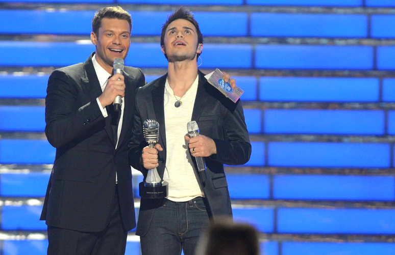 Kris Allen with Ryan Seacrest after being named the winner of American Idol Season 8. (FOX Photo)