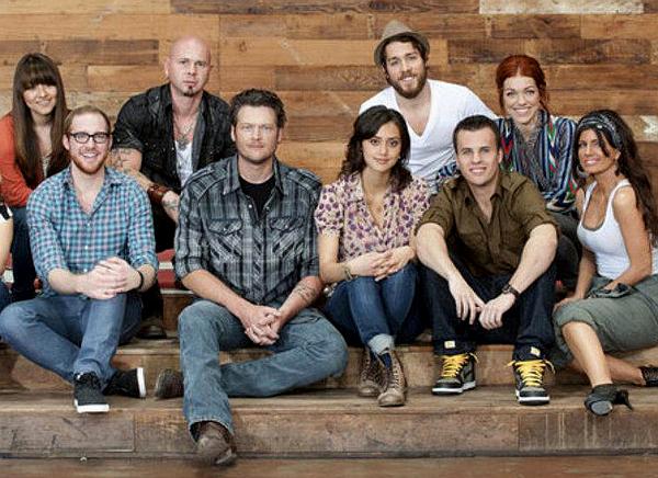 Team Blake Shelton from Season 1 of The Voice, front (from left) -- Tyler Robinson, Blake Shelton, Dia Frampton, Patrick Thompson, Serabee; back, from left -- Sara Oromchi, Jared Blake and Elenowen (Josh and Nicole Johnson); missing -- Xenia. (NBC Photo)