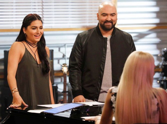 Jozy Bernadette and Troy Ramey with Gwen Stefani during battle round rehearsals on The Voice Season 12 (NBC Photo)
