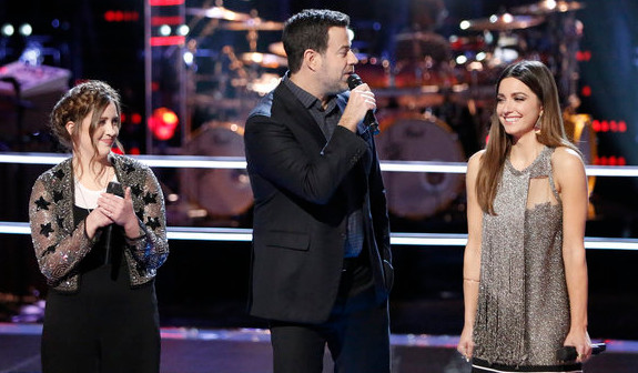 Lauryn Judd (left) and Lilli Passero with Carson Daly following their battle round match on The Voice. (NBC Photo)