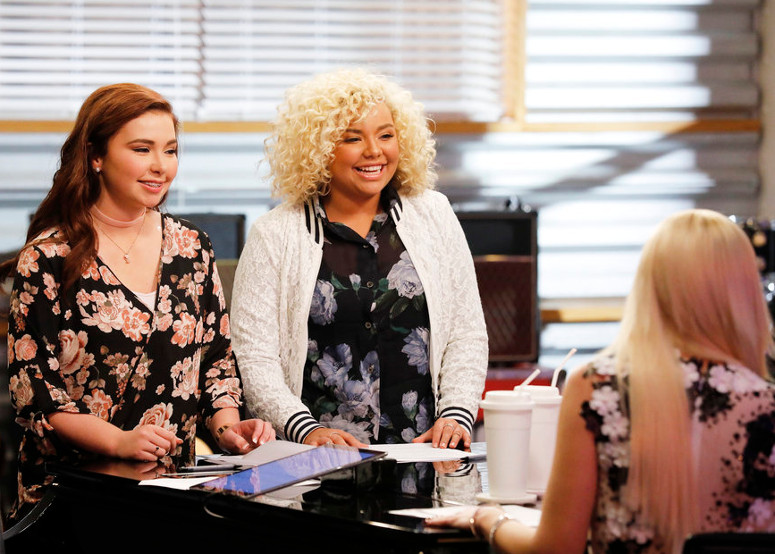 Savannah Leighton and Aaliyah Rose rehearse for the battle round on The Voice Season 12 with Gwen Stefani (NBC Photo)