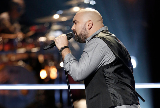 Troy Ramey performs in he battle round on The Voice. (NBC Photo)