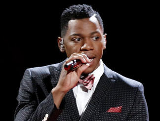 Chris Blue performs on The Voice Season 12 (NBC Photo)
