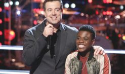 Carson Daly with Quizz Swanigan on The Voice. (NBC Photo)