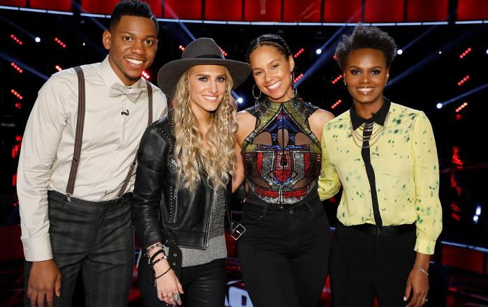 Alicia Keys with Chris Blue, Stephanie Rice and Vanessa Ferguson on The Voice Season 12. (NBC Photo)