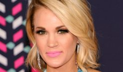 Carrie Underwood at 2016 CMT Music Awards