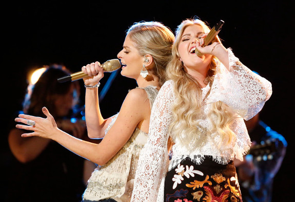 Lauren Duski and Brennley Brown perform Monday night on The Voice (NBC Photo)