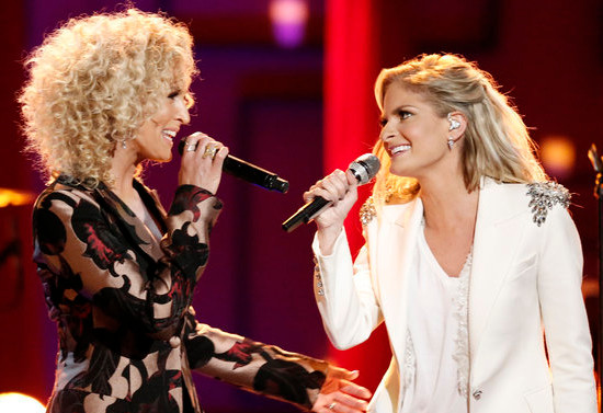 Lauren Duski (right) performs with Little Big Town during The Voice Season 12 finale Tuesday night. (NBC Photo)
