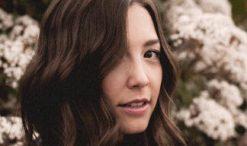 Lyndsey Elm of The Voice Season 9