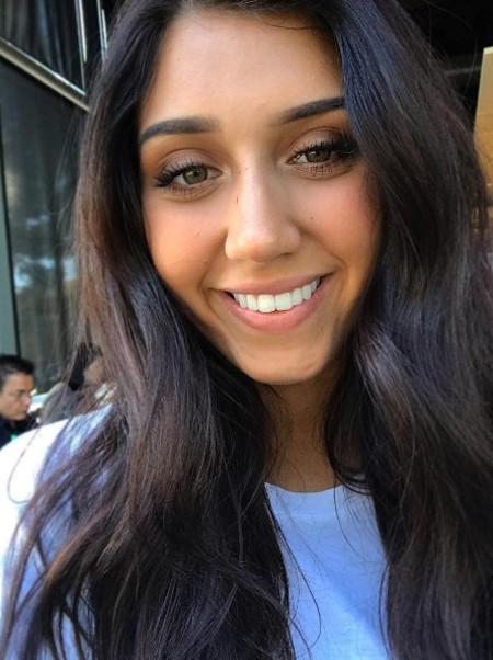 Hannah Mrozak of The Voice Season 13