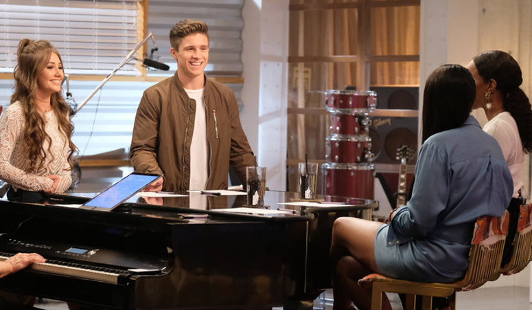 Alexandra Joyce and Jeremiah Miller discuss their battle round match with Jennifer Hudson and Kelly Rowland. (NBC Photo)