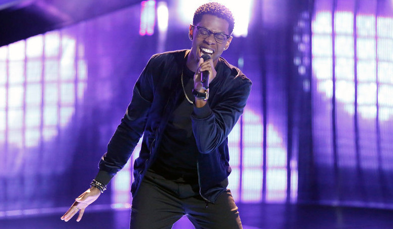 Brandon Showell performs during his blind audition on The Voice. (NBC Photo)