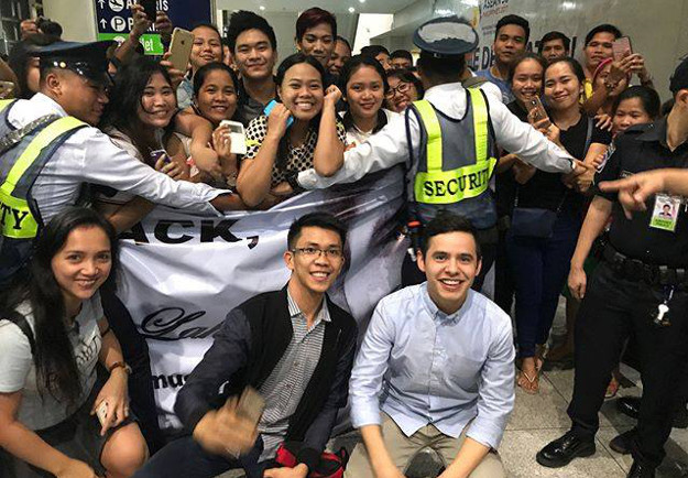 David Archuleta is greeted by dozens of fans upon his arrival in the Philippines.