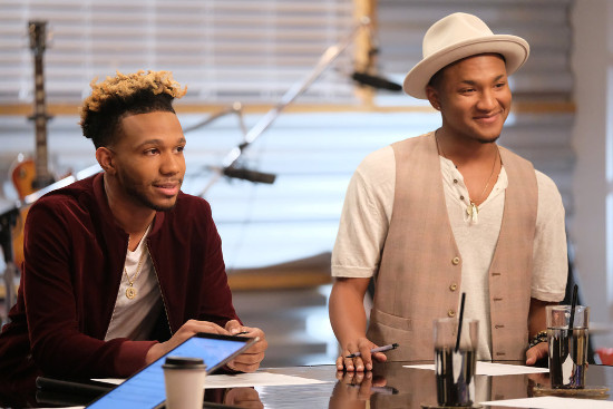 Ignatious Carmouche and Eric Lyn practice for their battle round on The Voice. (NBC Photo)