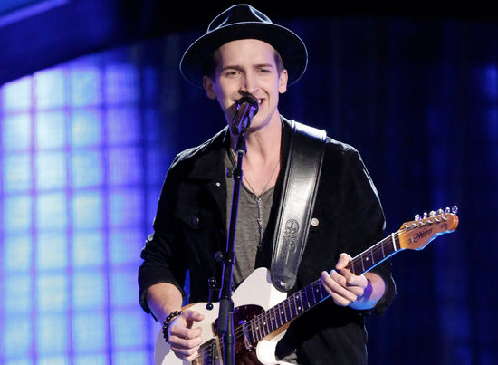 Michael Kight performs during the final night of blind auditions on The Voice Season 13. (NBC Photo)