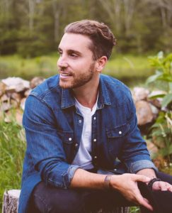 Nick Fradiani, American Idol's Season 14 winner, will release an independent EP Friday.
