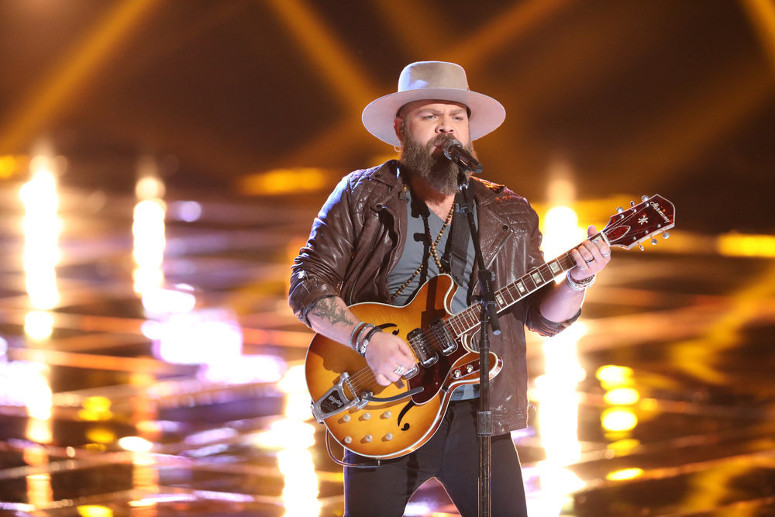 Adam Cunningham performs for the Twitter save on The Voice. (NBC Photo)