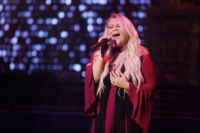 Ashland Craft  performs during The Voice Top 12 concert. (NBC Photo)