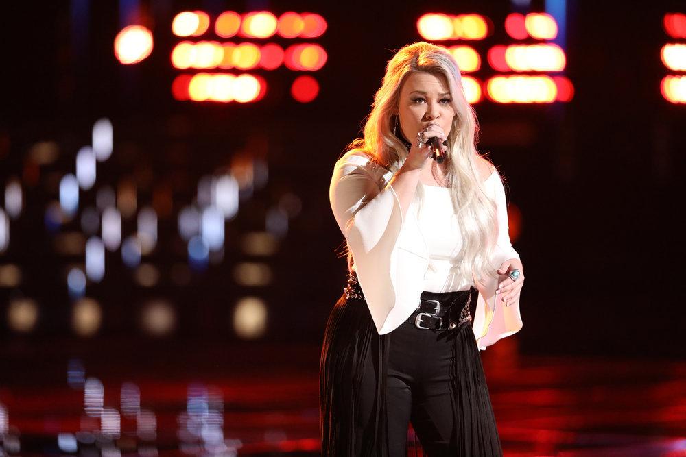 "Ashland Craft sings ""Delta Dawn"" on The Voice. (NBC Photo)"
