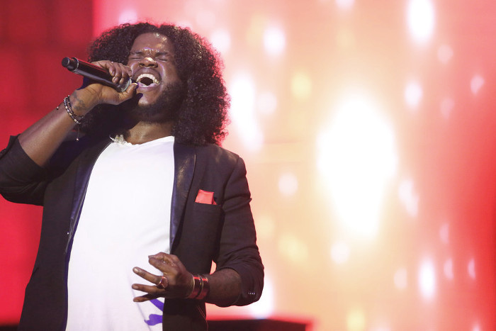 Davon Fleming performs during The Voice Top 12 concert. (NBC Photo)