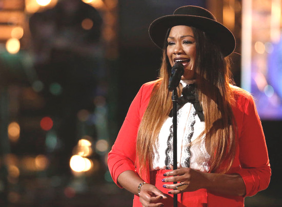 Keisha Renee performs during the playoffs on The Voice (NBC Photo)
