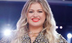Kelly Clarkson of American Idol Season 1