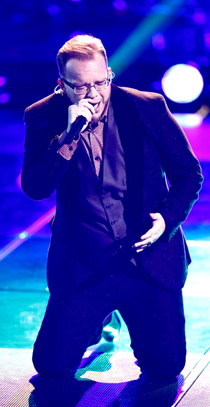Lucas Holliday during his playoff performance on The Voice. (NBC Photo)