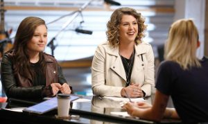 Moriah Formica (left) and Shilo Gold chat with Miley Cyrus about their battle round match on The Voice. (NBC Photo)