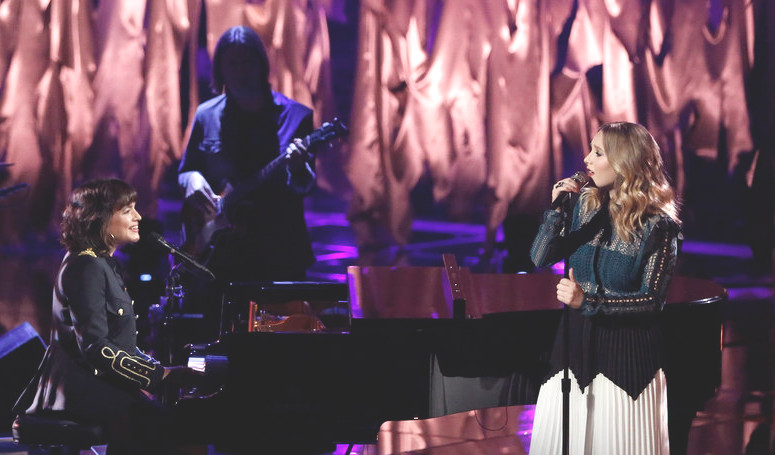 Addison Agen performs her duet with Norah Jones on Tuesday's Season 13 finale of The Voice. (NBC Photo)