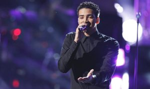 Anthony Alexander performs during Season 13 of The Voice. (NBC Photo)