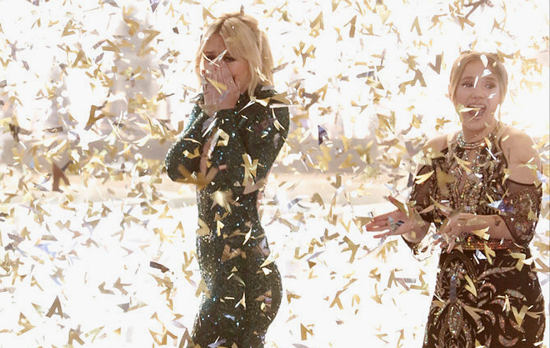 Chloe Kohanski enjoys a post-show confetti shower after winning The Voice. (NBC Photo)