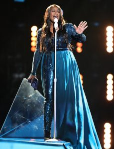 Keisha Renee performs during Top 10 night on The Voice. (NBC Photo)