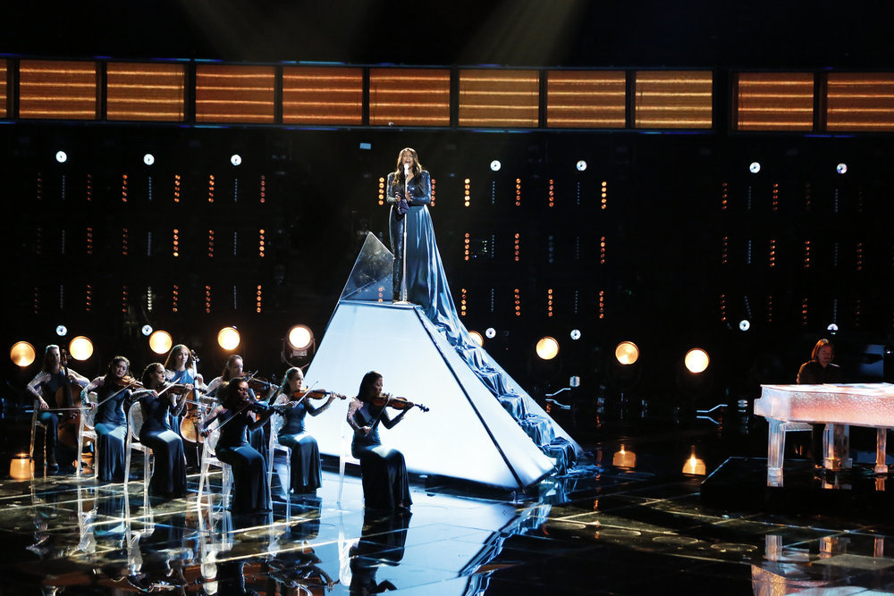 """Keisha Renee performs """"All By Myself"""" on The Voice Top 10 show Monday night. (NBC Photo)"""