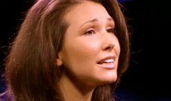 Loren Allred from The Voice Season 3