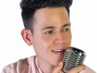 Jaron Strom of the Voice Season 14